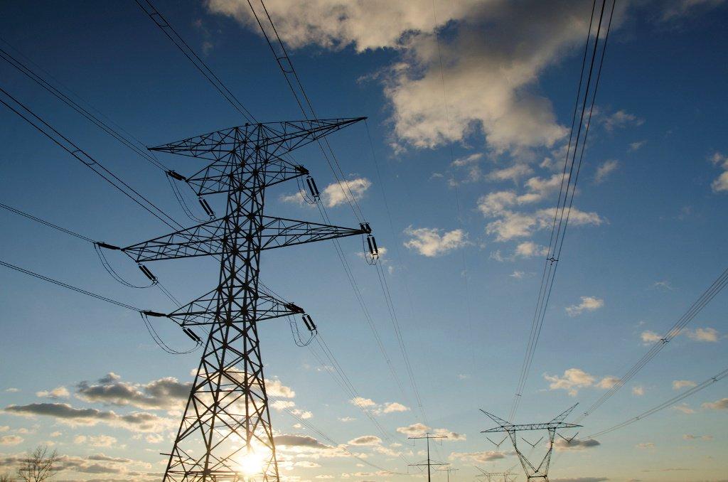 A Agência Nacional de Energia Elétrica (Aneel) aprovou um reajuste médio de 5,46% para as tarifas de energia elétrica da AES Sul; o aumento passa a valer a partir do próximo domingo (19); é a data base do contrato da distribuidora; este é o reajuste anual tradicional