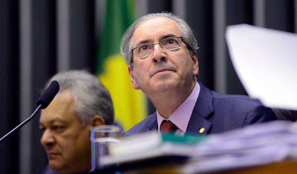 """Rejeitado por 43% dos manifestantes que foram à Avenida Paulista neste domingo protestar contra o governo da presidente Dilma Rousseff, o presidente da Câmara, Eduardo Cunha (PMDB-RJ), disse que não ficou nem """"aliviado e nem preocupado"""" com o resultado da pesquisa Datafolha, divulgada nesta segunda-feira;""""Não tem alívio nem preocupação. Sempre disse que manifestação ordeira pode fazer contra mim sem nenhum problema"""", comentou"""