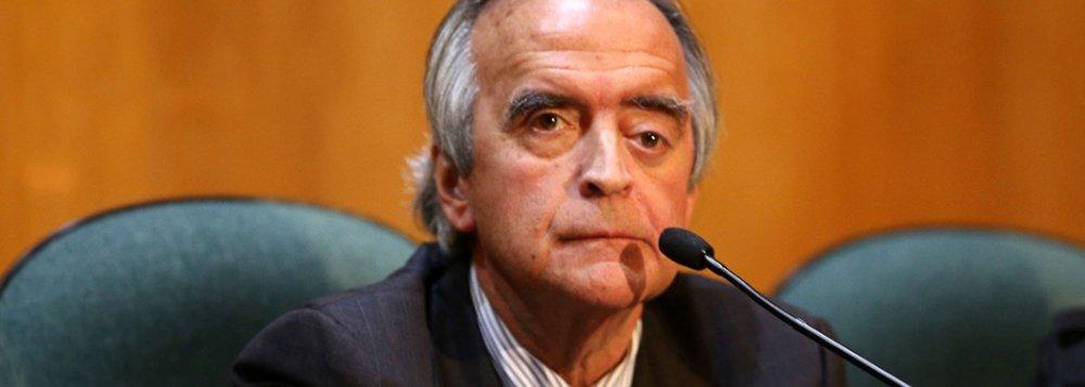 Mesmo já tendo sido condenado por lavagem de dinheiro, o ex-diretor da Petrobras poderá ter sua pena reduzida caso conte o que sabe aos procuradores da investigação; Nestor Cerveró sempre negou envolvimento no esquema de corrupção na estatal e sempre se recusou a negociar a delação