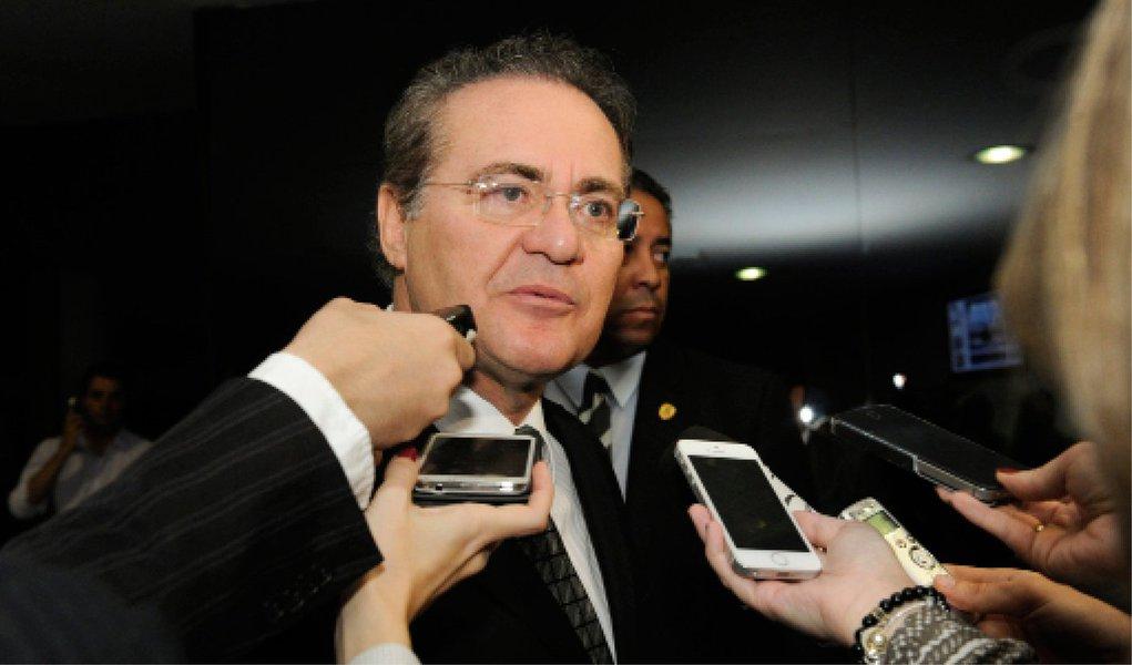 """""""Se houver quórum, nós concluiremos a votação da mudança na LDO [com a deliberação de Plenário]. Se não houver, nós marcaremos a sessão seguinte ainda na próxima semana"""", disse o presidente do Senado, Renan Calheiros (PMDB-AL); ele atribuiu a derrota do governo nessa quarta-feira, quando não conseguiu votar o relatório do senador Romero Jucá, à dificuldade de se conseguir quórum nesse período do ano legislativo"""