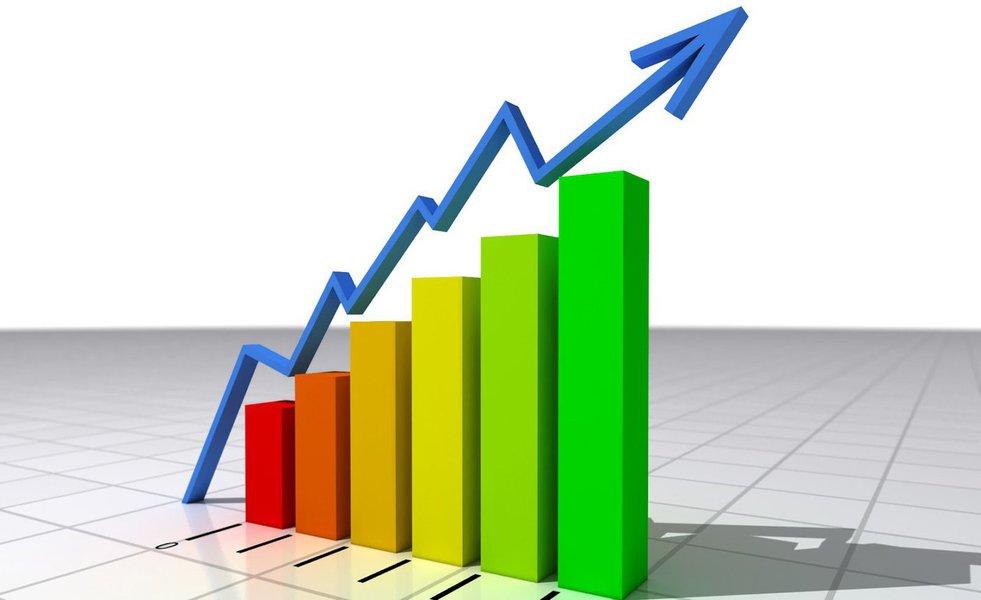 """Os números foram divulgados nesta quarta-feira (8), em entrevista coletiva na sede do Instituto de Pesquisa e Estratégia Econômica do Ceará (Ipece).""""Tivemos um crescimento muito expressivo (4,36%). Se comparar com o Brasil (pouco mais de 0,1%), o desempenho do Estado foi muito forte. Isso está, de certa forma, relacionado ao volume de investimentos que foi realizado nos últimos anos"""", afirmou o professor Flávio Ataliba, diretor geral do Ipece"""