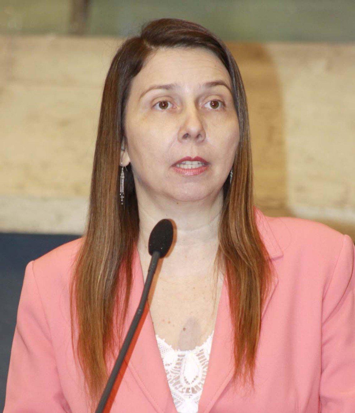 A suplente Rachel Marques deve assumir terça-feira, uma vaga na Assembleia Legislativa, no lugar do atual deputado Jeová Mota, nomeado secretário de esportes do Governo do Estado