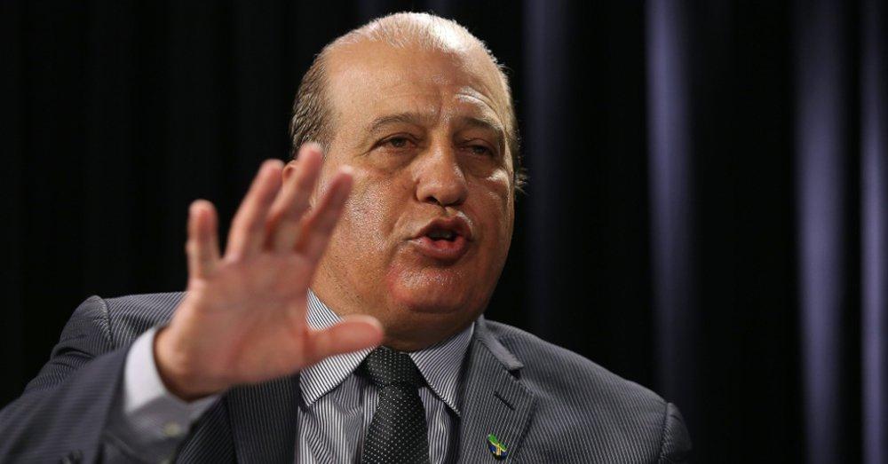 """Ministro do Tribunal de Contas da União (TCU) Augusto Nardes, relator do processo que julga as contas da presidenta Dilma Rousseff, disse que seu voto ainda não está definido; """"Não posso dizer que há irregularidades de forma concreta ainda, porque são indícios, o governo tem que fazer sua defesa. Estou dando amplo direito de defesa, para não cometer nenhum equívoco. Eu não tenho o meu voto definido. O meu voto era pela rejeição, antes de dar direito à defesa. Agora tenho que analisar e depois é que vou me manifestar', disse"""