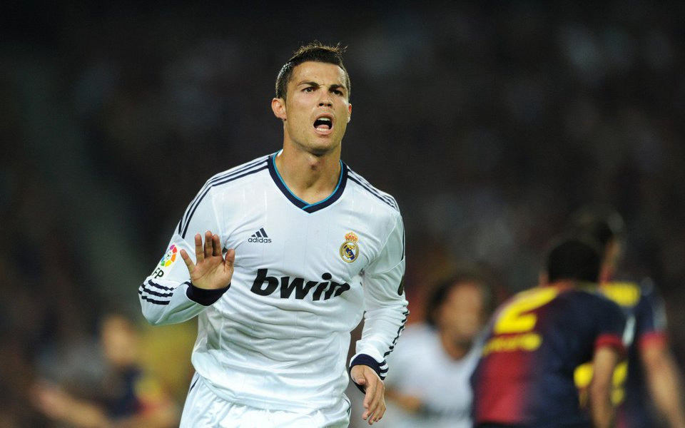 """""""O jogo ainda estava aberto em 2 x 0 com o pênalti, mas nós não sofremos gol e tivemos um desempenho eficiente"""", disse o técnico do Real Carlo Ancelotti à televisão espanhola"""