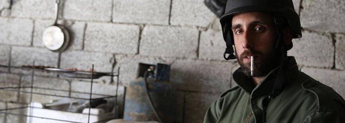 O Ministério das Relações Exteriores confirmou que o fotógrafo brasileiro Gabriel Chaim, que estava preso em Ancara, capital da Turquia, foi deportado nesta terça-feira (12); um funcionário da Embaixada do Brasil em Ancara acompanhou Chaim até o embarque; brasileiro estava cobrindo a guerra da Síria quando foi detido, no dia 5 de maio, na fronteira do país com a Turquia; ele e mais dois fotógrafos estrangeiros foram detidos quando tentavam cruzar ilegalmente a fronteira