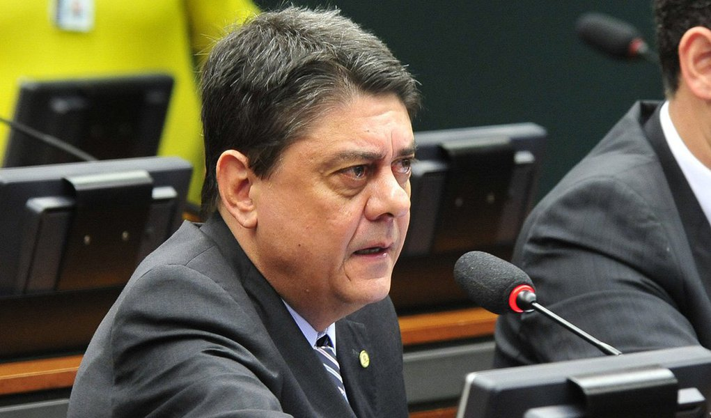Ex-presidente da OAB-RJ, deputado federal Wadih Damous (PT-RJ) foi nomeado para a CPI da Petrobras; Damos assumiu o mandato no final de maio e tem como principal missão fazer um debate qualificado em defesa do PT e do governo; aliado de Lula, ele assume depois que o ex-presidente se incomodou com a convocação do diretor do Instituto Lula pela comissão, Paulo Okamotto
