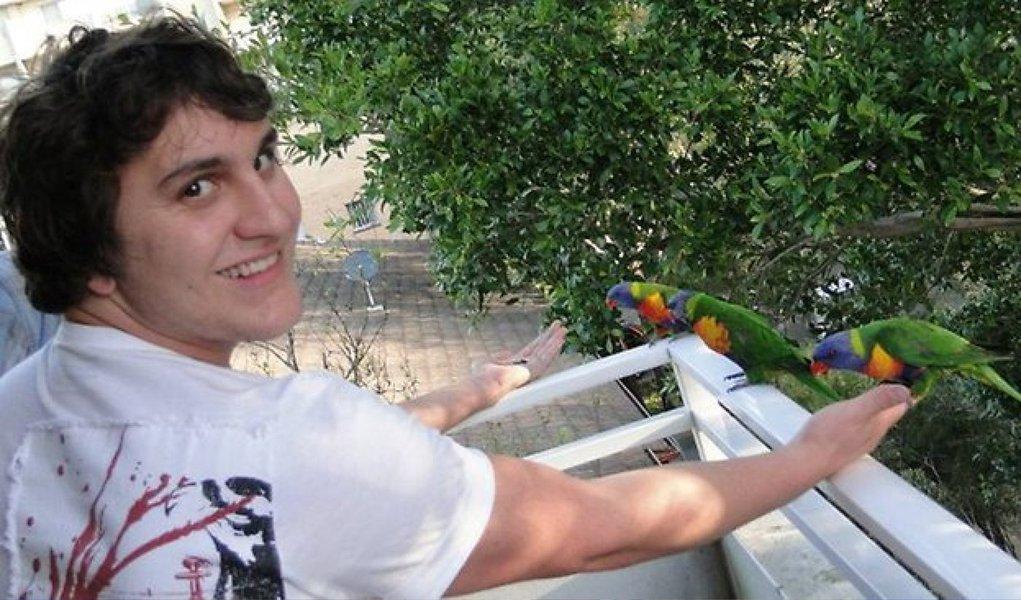 Um tribunal australiano considerou nesta terça-feira 16 culpado um dos policiais envolvidos na morte do estudante brasileiro Roberto Laudisio Curti, que foi atingido por disparos de taser durante uma perseguição em Sydney, em março de 2012