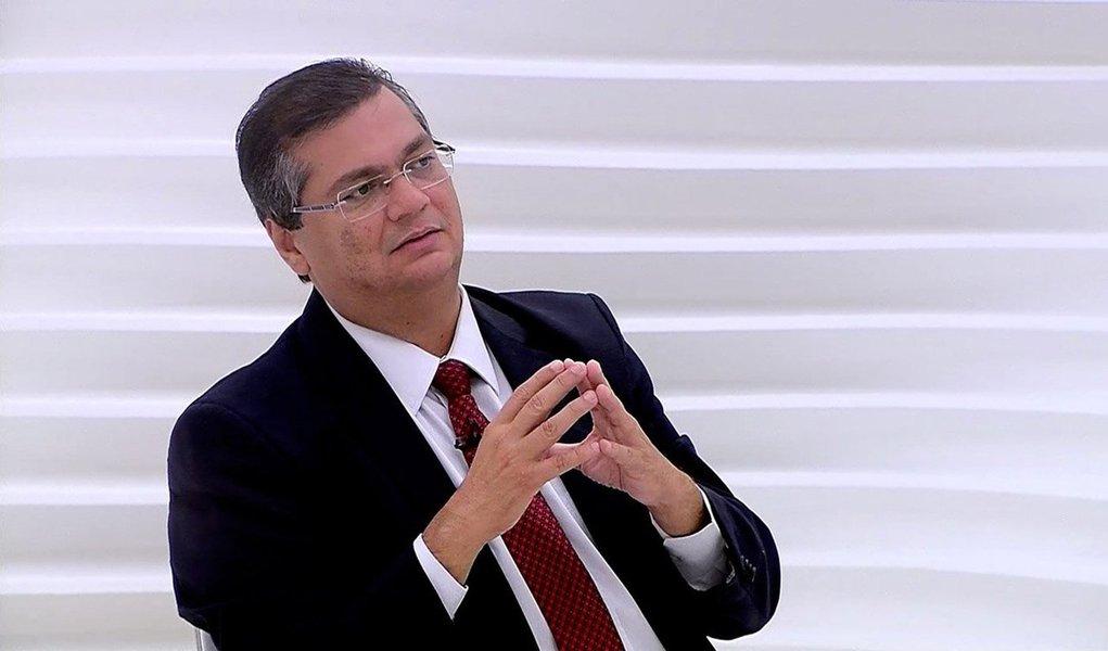"""O governador do Maranhão, Flávio Dino (PC do B-MA), lançou o 'Mutirão do Plano Mais IDH', conjunto de esforços de secretarias e órgãos do Estado que promoverão ações para a melhoria dos indicadores sociais do Estado; segundo o Executivo, esse é o primeiro passo para a superação das desigualdades no Maranhão; """"Hoje estamos concretizando uma das marcas do nosso governo"""", afirmou"""