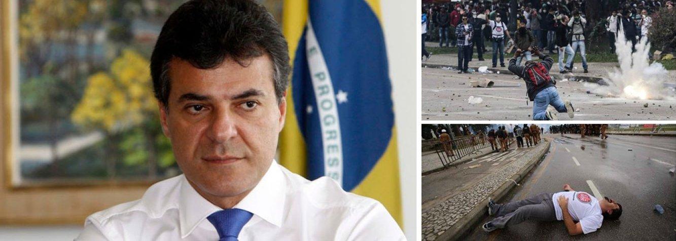 """O Ministério Público Federal (MPF) no Paraná divulgou que instaurou um procedimento com o objetivo de apurar possíveis violações de direitos humanos por parte do governo Beto Richa (PSDB) durante o confronto entre professores e policiais militares no dia 29 de abril, em Curitiba; segundo o MPF-PR,""""a Polícia Militar protagonizou cenas de repressão aos manifestantes incompatíveis com a noção de Estado Democrático de Direito""""; mais de 200 pessoas ficaram feridas"""