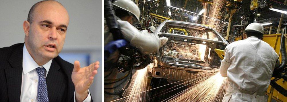 """Alexandre Abreu destacou que o apoio de R$ 3,1 bilhões ao setor automotivo, anunciado hoje pelo Banco do Brasil, visa estabelecer o elo de confiança com a cadeia automotiva; """"Percebemos o momento bastante desafiador com a desaceleração econômica"""", comentou; segundo o presidente da instituição, """"não existe subsídio para o setor, as operações serão a taxas de mercado"""""""
