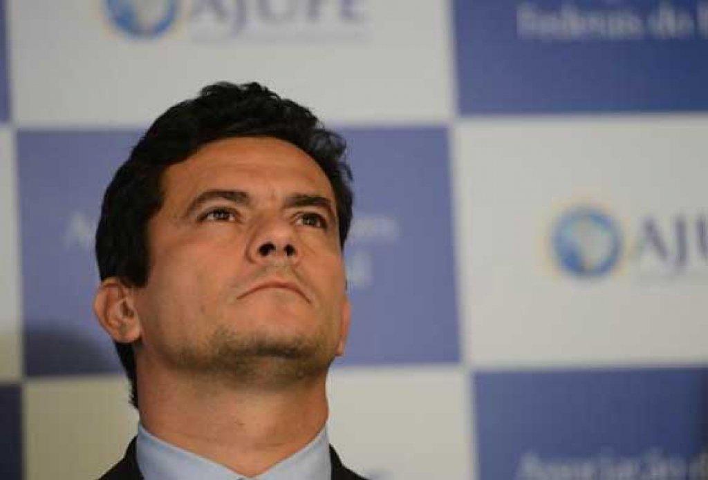 Moro é político e quer criminalizar o PT para derrubar Dilma