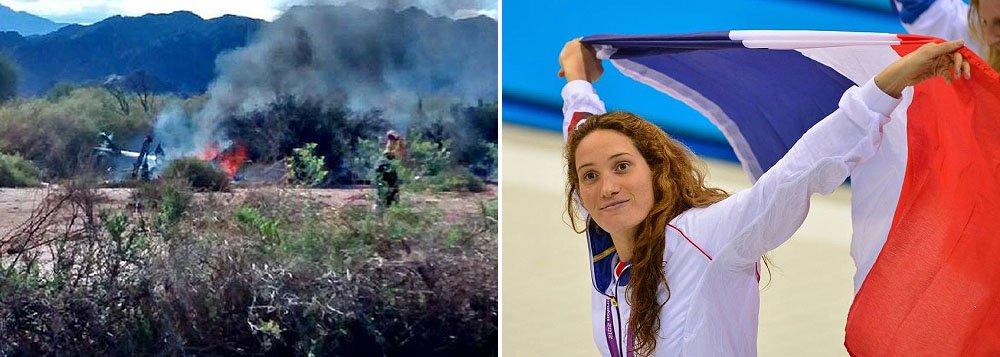 Dois helicópteros se chocaram em pleno voo, nas montanhas da zona turística de La Rioja, no Noroeste da Argentina, durante as filmagens de um reality show; avelejadora Florence Arthaud, a campeã olímpica de natação Camille Muffat e o pugilista olímpico Alexis Vastine estão entre os mortos
