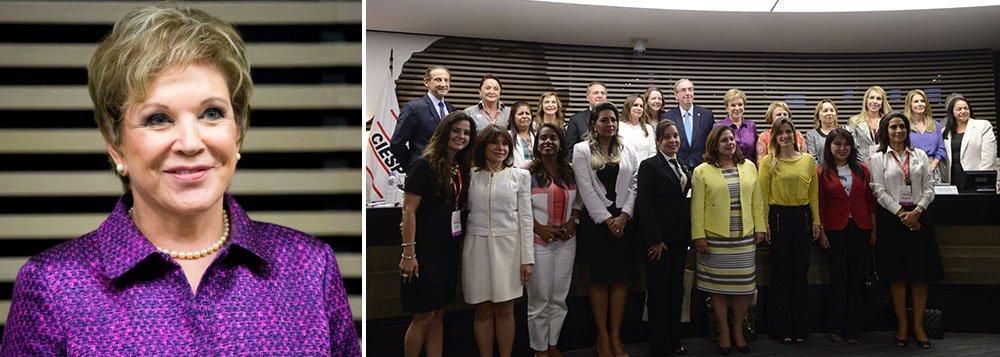 """Em manifesto entregueaos presidentes do Senado, Renan Calheiros, e da Câmara, deputado Eduardo Cunha, senadora Marta Suplicy afirma que aintenção é estabelecer uma cota de mulheres no Congresso e também por um fundo partidário;""""Com a cota de legenda, percebemos que em 20 anos ficamos na mesma, com 10% de presença na Câmara. Então, não está funcionando dessa forma"""", disse"""