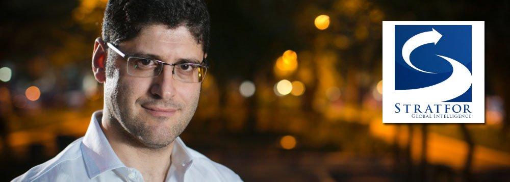 """""""Em fevereiro de 2012 – muito antes que nascesse o 'Vem pra Rua' – o nome de Rogério Chequer apareceu na lista de e-mails da empresa de 'inteligência global' Statfor, conhecida como 'the Shadow CIA'"""", diz Fernando Brito, editor do Tijolaço; recentemente, a Stratfor esteve acusada de envolvimento em tentativas de golpes de estado em vários países"""