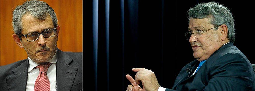 Segundo o jornal de Otavio Frias, o candidato a deputado federal pela Bahia, o presidente nacional do PTB, Benito Gama, gastou R$ 2,2 milhões de sua campanha com aliados que terceirizam serviços; eles receberam até R$ 300 mil para subcontratar cabos eleitorais em suas regiões; segundo o parlamentar, a prática não é novidade: 'Tem uma legislação que prevê isso com detalhes. Não estou inventando nada, estou cumprindo a lei. Não é doação de dinheiro, é trabalho. O que fiz foi uma coisa racional, de facilitar minha gestão [de recursos]'