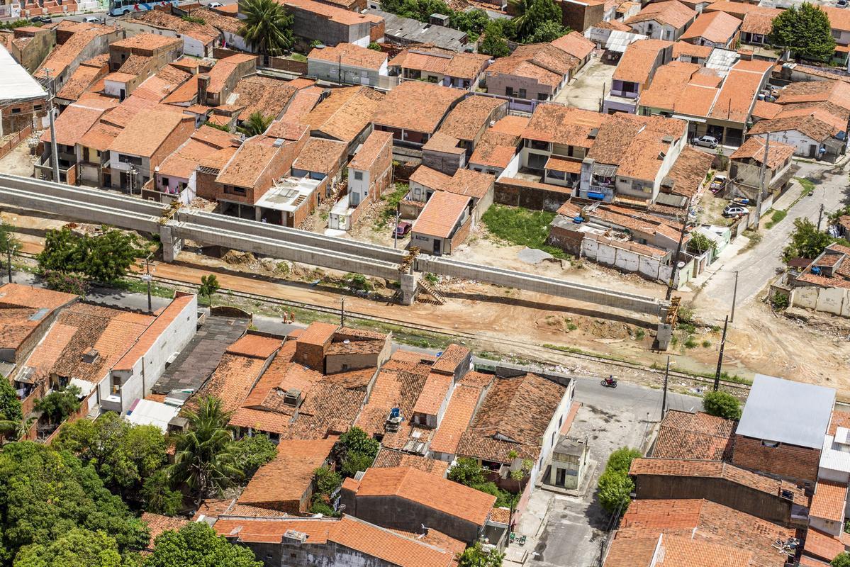 Em audiência pública, moradores de comunidades atingidas pelas obras do VLT, reivindicaram retorno das obras e reajuste dos alugueis sociais e indenizações