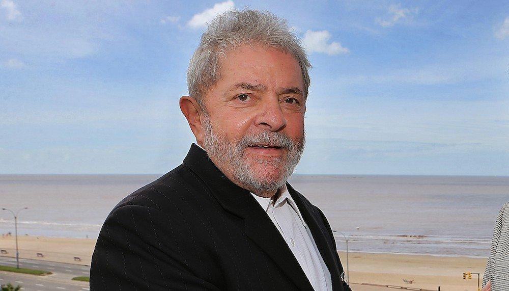A vitória de Lula, candidato derrotado em três eleições até então, foi um basta que a população brasileira deu a um modelo de governo focado simplesmente em economia