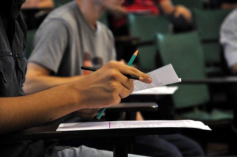 Concluintes de cursos de bacharelado, licenciatura e tecnólogo de todo Brasil devem fazer amanhã (23) o Exame Nacional de Desempenho de Estudantes (Enade); expectativa é de que 483,5 mil estudantes matriculados em 1,48 mil instituições de educação superior façam a avaliação