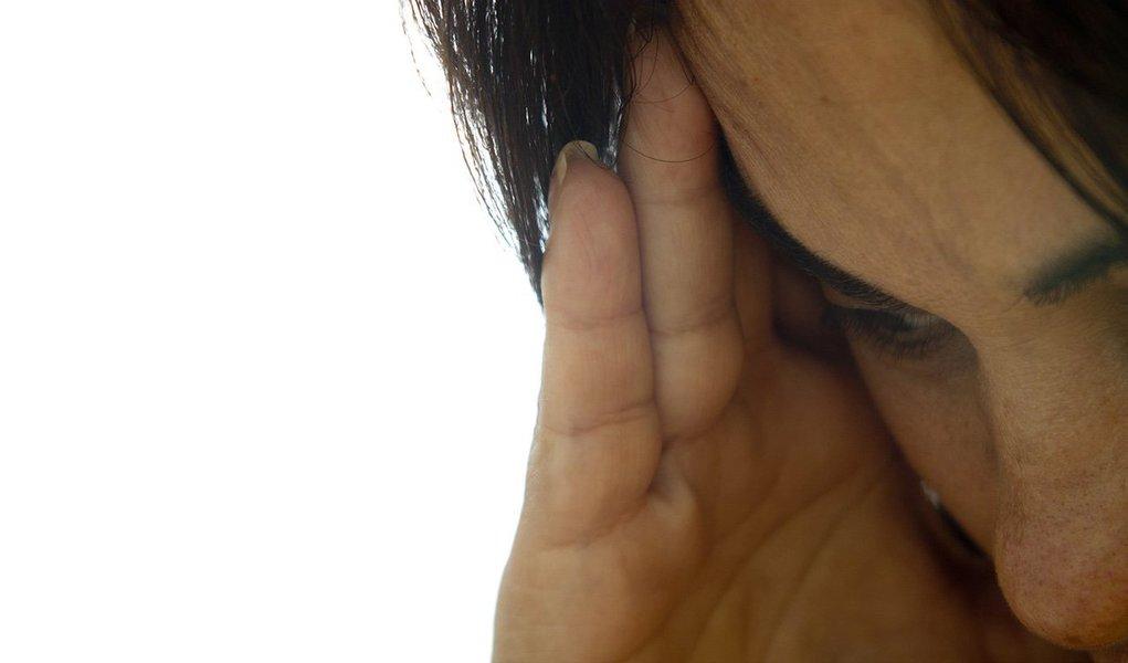 Segundo a Polícia Civil, o autor do crime é Wilson de Oliveira Spínola Lana, 41 anos, e a vítima é uma mulher de 38 anos, cuja identidade não foi revelada;O crime ocorreu poucas horas após a presidente Dilma Rousseff (PT) sancionar a lei que tipifica o feminicídio, tornando mais graves as penas para quem mata ou tenta o homicídio contra uma mulher, em razão de violência doméstica ou questões de gênero