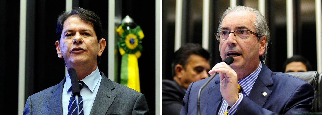 """""""Comunico à Casa o que recebi do chefe da Casa Civil anunciando a demissão do ministro da Educação, Cid Gomes"""", disse o presidente da Câmara, Eduardo Cunha (PMDB-RJ), após uma sessão conturbada no Congresso; de acordo com nota da Secretaria de Imprensa da Presidência, foi ele quem pediu demissão e a presidente Dilma aceitou;o PMDB havia exigido sua saída sob ameaça de deixar a base aliada; mais cedo, Cid Gomes criticou Cunha: """"Prefiro ser acusado por ele de mal-educado do que ser acusado como ele de achaque""""; e pediu desculpas aos deputados pela declaração de que haveria """"uns 400 deputados, 300 deputados que quanto pior [o governo], melhor para eles""""; """"Me perdoem. Aos que não se comportam deste jeito, me desculpem, não foi minha intenção ofender ninguém individualmente"""", disse"""