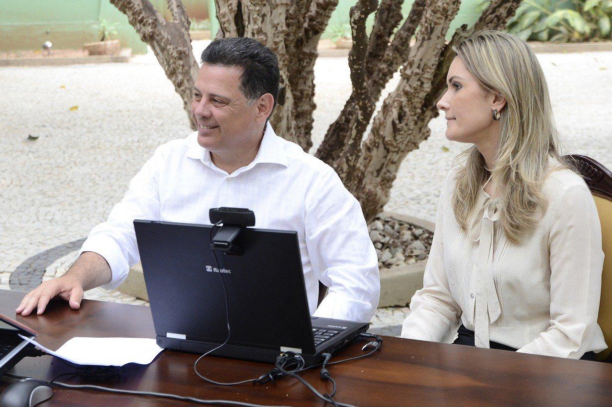 Governador Marconi Perillo e a Delegada Emilia Podest� na Entrevista para as M�dias Sociais, Goi�nia, 02 09 2014, foto: Wagnas Cabral.