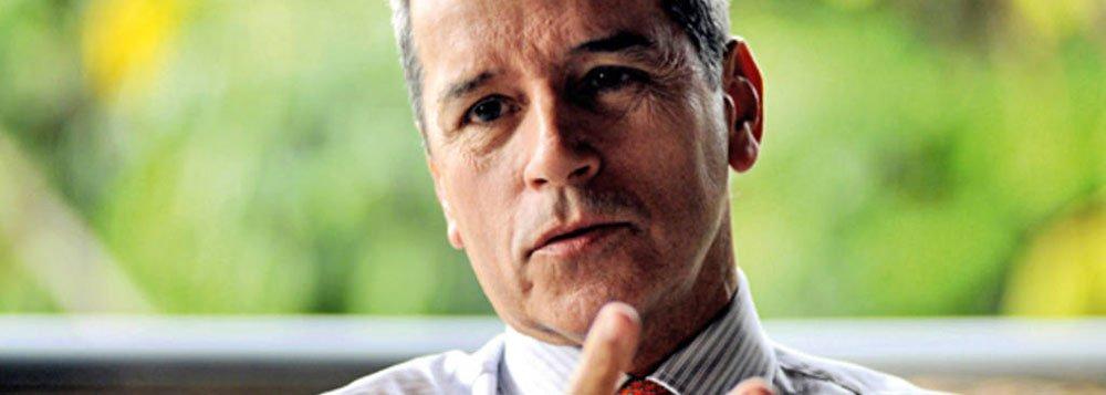 Ex-senador Luiz Estevão, que passa a cumprir o restante da pena em regime aberto, é acusado de alterar livros contábeis para justificar dinheiro de obras superfaturadas com o objetivo de construir o prédio do TRT-SP; aempresa Incal venceu a licitação em 1992, mas a obra foi abandonada em 1998, após o juiz Nicolau dos Santos Neto deixar a comissão responsável pelo empreendimento; um ano depois, uma CPI na Câmara Federal apontou que, em um contrato, 90% da Incal era transferida ao Grupo OK, do então senador Luiz Estevão