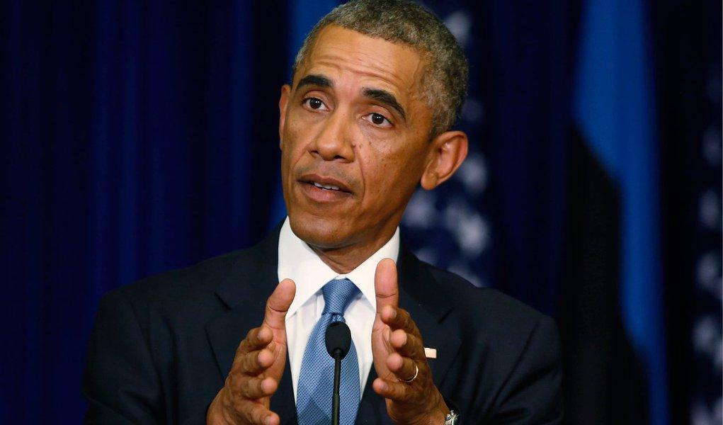 """Grupo divulgou um vídeo na terça-feira mostrando a decapitação de Sotloff, o segundo refém norte-americano morto nas últimas semanas, em retaliação aos ataques aéreos dos EUA no Iraque; """"A questão é esta: nosso objetivo é claro, degradar e destruir para que não seja mais uma ameaça não só ao Iraque, mas à região e aos Estados Unidos"""", afirmou o presidente dos EUA"""