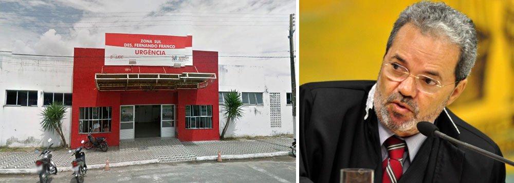 A equipe técnica do gabinete do conselheiro Clóvis Barbosa, do TCE, realizou visita à Unidade de Pronto Atendimento (UPA) Fernando Franco, situada no conjunto Augusto Franco, em Aracaju, e constatou a falta de médicos; segundo o relatório, embora o corpo de pediatras e o cirurgião escalado estivessem prestando seus serviços normalmente, a visita ocorrida na última terça (24), constatou a ausência de dois dos três clínicos gerais escalados, bem como a presença de um paciente idoso internado em estado crítico há mais de 19 dias; diante do caso, o tribunal iráoficiar a Secretaria Municipal de Saúde, determinando que instaure, imediatamente, Processo Administrativo Disciplinar contra as duas profissionais que faltaram