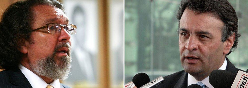 """O senador Aécio Neves (PSDB-MG) contratou o advogado Antônio Carlos de Almeida Castro, mais conhecido como Kakay, para acompanhar o desenrolar das investigações da nova fase da operação Lava Jato; Kakay disse nesta quinta-feira, 5, que o Ministério Público """"insistiu"""" em perguntas sobre Aécio Neves (PSDB-MG) com o Alberto Youssef. """"Soube como tinha sido o depoimento e que, na verdade, tinham insistido, o MP, em perguntas sobre o Aécio em momentos distintos: o primeiro pouco antes das eleições e o segundo agora em fevereiro"""", afirmou; Aécio teve o seu nome citado por Youssef em seu depoimento de delação premiada"""