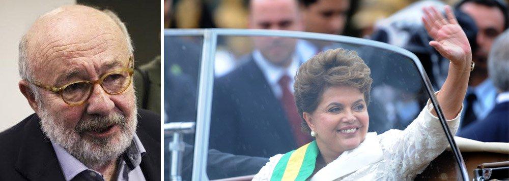 """Jornalista diz que """"governo novo sempre significa uma renovação de esperanças"""", mas que nunca viu """"tamanho baixo astral como agora""""; """"Uma coisa é certa: a duas semanas do final do primeiro governo Dilma e do início do segundo, o clima no país nesta passagem de ano está mais para fim de feira do que para posse festiva"""", escreve"""