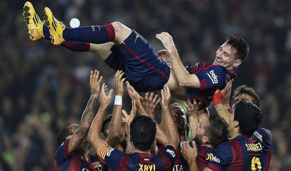 O atacante argentino do Barcelona Lionel Messi marcou gol neste o contra o Sevilla e igualou a marca de 251 gols se tornando um dos maiores marcadores da história da liga espanhola