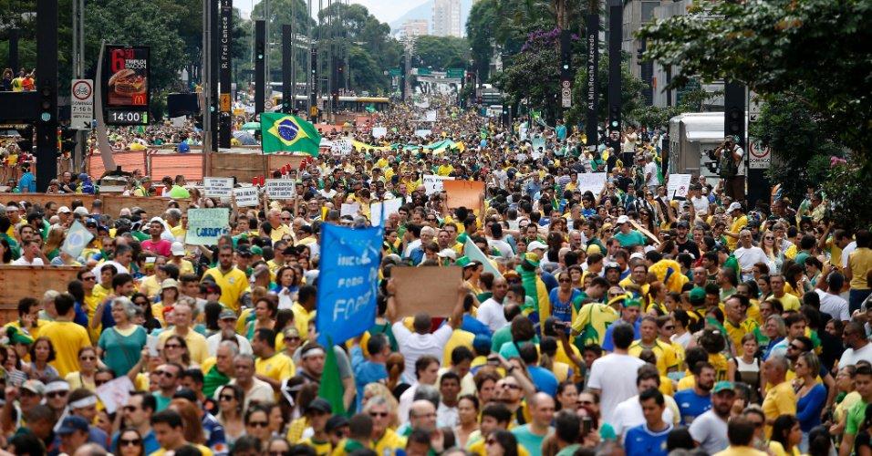"""O direito de as pessoas dizerem o que pensam também é meu, e exerço-o para repudiar quem sustentou, no dia 15, um cartaz com a aberração """"basta de Paulo Freire"""""""