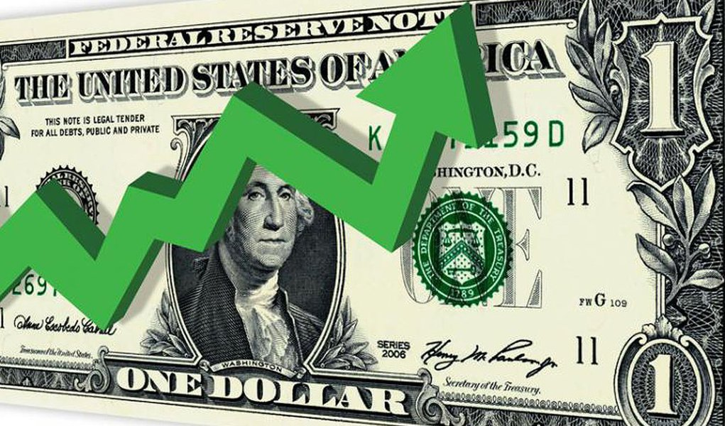 O dólar opera em forte alta nesta sexta-feira, 13; logo no início dos negócios, chegou a superar R$ 3,21, de acordo com a agência Reuters; por volta das 10h50, a moeda bateu os R$ 3,22, em meio a preocupações persistentes com a situação política e econômica do Brasil