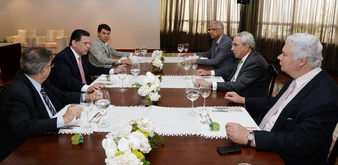 Governador Marconi Perillo recebe a visita do Embaixador de Portugal, Francisco Ribeiro Telles. Fotos: Wagnas Cabral Data: 01.04.2015