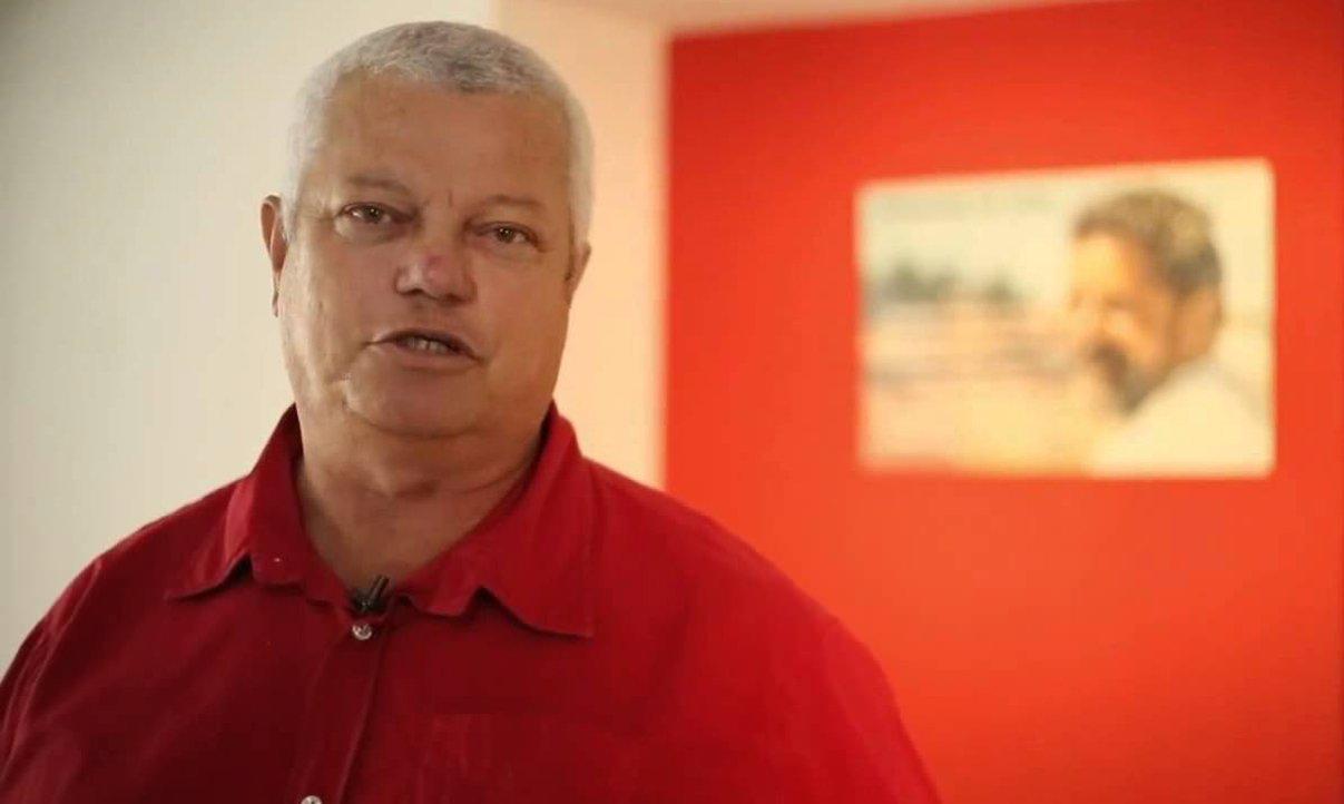 """O presidente do PT na Bahia, Everaldo Anunciação, mostra """"desconfiança total"""" em relação à pesquisa do Instituto Sensus divulgada na noite de ontem (4) pela TV Aratu, a qual aponta o candidato do DEM ao governo do Estado, Paulo Souto, com 43% das intenções de voto, contra 16% do petista Rui Costa e 10% de Lídice da Mata, do PSB. Para Everaldo, a consulta é """"no mínimo suspeita""""; """"Espero que não seja qualquer tentativa de fraude porque os números que temos internamente são bem mais positivos para Rui"""""""