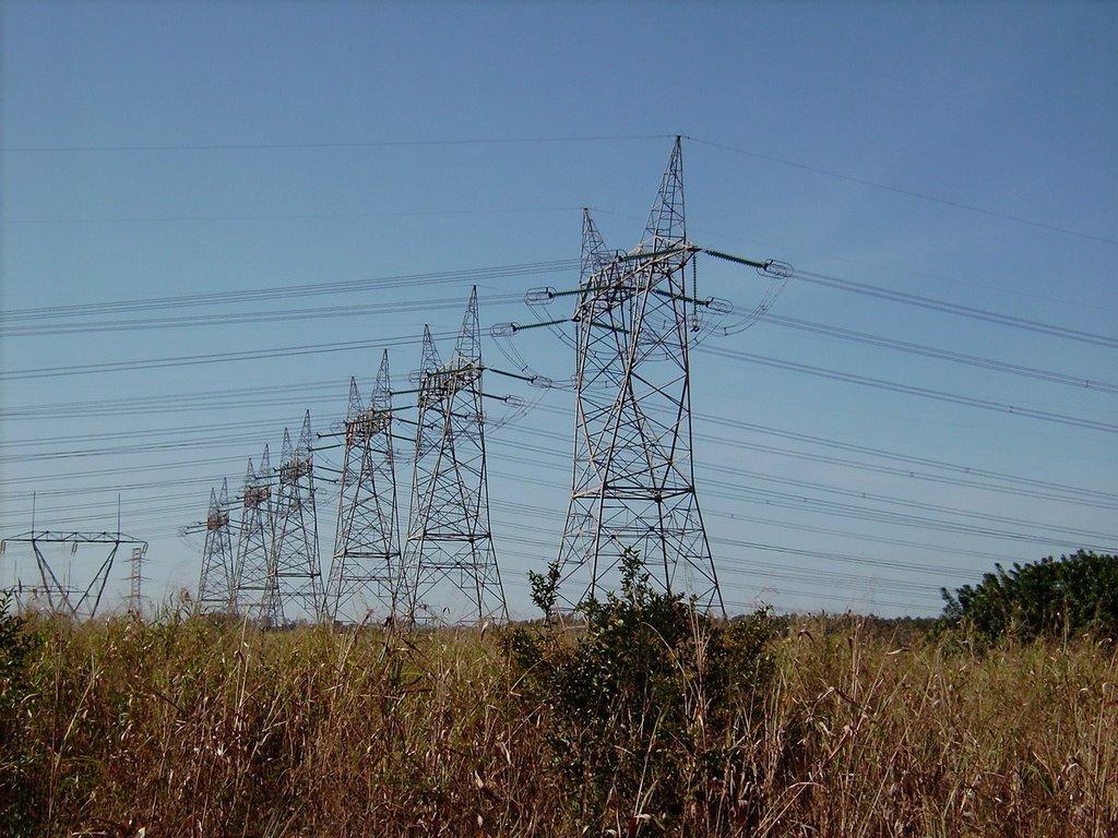 A Agência Nacional de Energia Elétrica (Aneel) determinou a alteração no reajuste tarifário anual da Cemig; para os consumidores residenciais, o reajuste será de 5,93%; a alteração deve entrar em vigor já a partir da próxima quarta-feira (8) para oito milhões de unidades consumidoras localizadas em 805 municípios mineiros