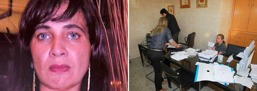 A informação vem da Delegacia Fazendária da Polícia Civil (Delfaz), que cumpriu dez mandados de busca e apreensão na sede do Sindicato dos Empregados no Comércio de Niterói, São Gonçalo e Adjacências, na Região Metropolitana do Rio; as investigações apontam para um esquema de fraude que beneficiava a presidenta da entidade, Rita de Cácia da Silva Rodrigues, com até R$ 1 milhão por mês; elateria se apropriado de uma taxa de assistência que comerciantes pagam por funcionário que trabalha em domingos e feriados