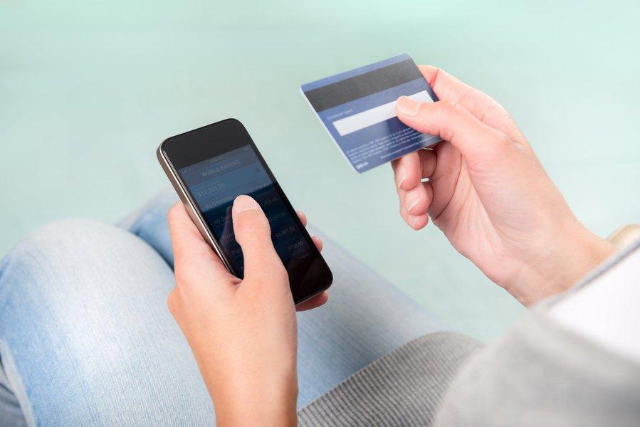 Pagamento mobile pode substituir dinheiro de plástico; consumidor conta com algumas opções de pagamentos sem a necessidade do cartão físico, além do NFC, como mobile money e mobile wallets