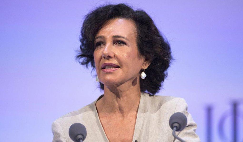 De acordo com o banco espanhol, a filha do ex-presidente da instituição, Emilio Botín, é a melhor escolha para liderar a companhia; decisão de torná-la presidente foi aprovada por unanimidade pelo Conselho