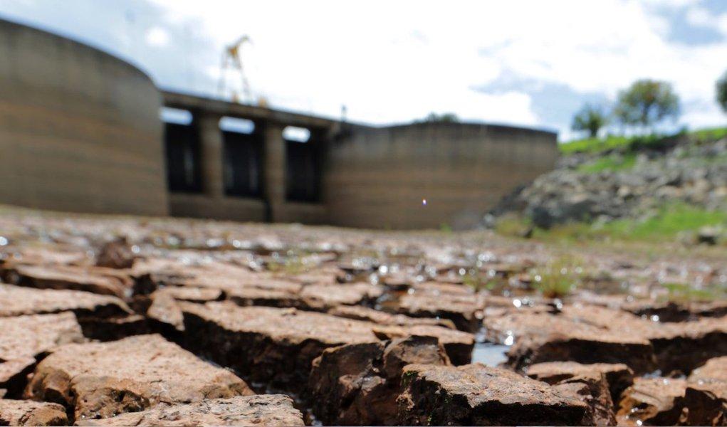 De acordo com a Sabesp, o nível da represa está nesta sexta-feira 5 com 10,5% de sua capacidade, 1 ponto percentual a menos do que o registrado nos últimos dois dias