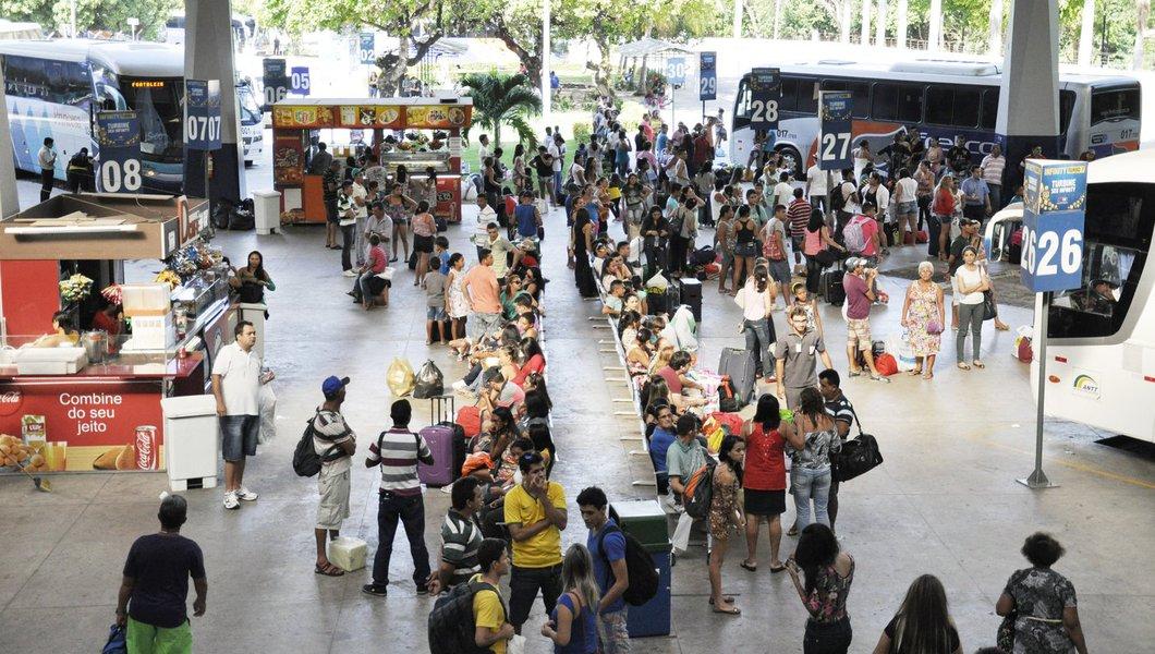 Como acontece todos os anos, o movimento do Terminal Rodoviário João Tomé deverá aumentar significativamente nos feriados da Semana Santa. Para atender a demanda, estão sendo providenciados ônibus extras no período