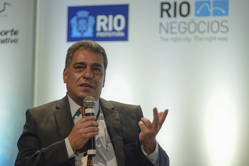 O secretário de Fazenda do estado do Rio de Janeiro, Júlio Bueno, disse que a pasta vai precisar do apoio da Assembleia Legislativa (Alerj) para enfrentar a crise econômica; a previsão é que até o final de 2015 o Estado tenha um déficit de R$ 13 bilhões; de acordo com a secretaria,a crise é resultado da queda da atividade global do país, da redução de 30% da arrecadação de royalties de petróleo e da redução na arrecadação de ICMS