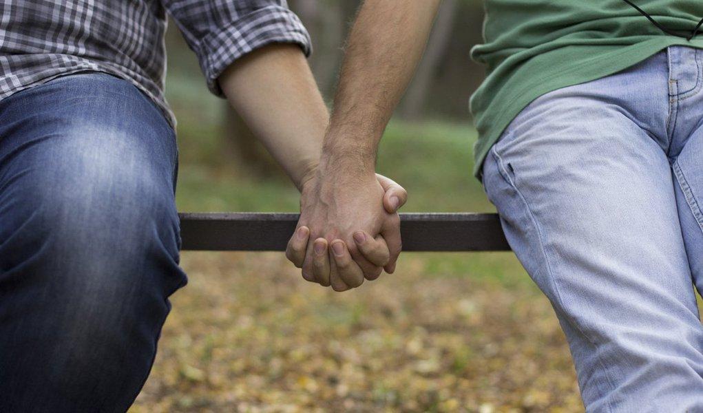 Registros de agressão relacionados à homofobia cresceram de 1.159, em 2011, para 6,5 mil até outubro deste ano, segundo dados da Secretaria Nacional de Direitos Humanos; 26% dos episódios são registrados em grandes cidades; Brasil é líder em número de assassinatos de travestis e transexuais