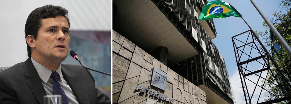 """O juiz federal Sérgio Moro, responsável pela condução dos processos da Operação Lava Jato, que investiga casos de desvios e corrupção na Petrobras, disse que a estatal irá se reerguer, além de adquirir uma maior eficiência após as investigações; ele também condenou as insinuações de que as autoridades e instituições que investigam o caso seriam responsáveis pela situação de crise vivida atualmente pelo país; """"Há, é certo, quem prefira culpar a Polícia Federal, o Ministério Público Federal e até mesmo este Juízo pela situação atual da Petrobras, em uma estranha inversão de valores"""", disse"""