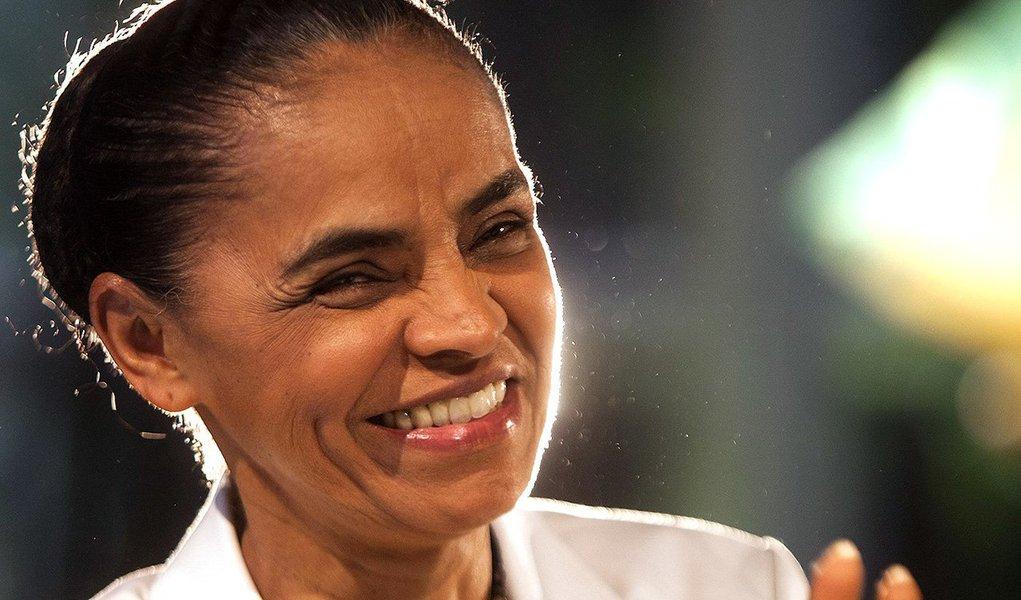 """Ex-presidenciável, Marina Silva afirmou em palestra a estudantes da Universidade Harvard, nos EUA, que """"as pessoas devem ter maturidade com suas escolhas""""; em referência indireta ao movimento golpista contra a presidente Dilma Rousseff, ela disse que governo """"não é como uma camisa que se troca todo dia""""; a ex-ministraafirmou que o país vive um """"grave problema com a corrupção""""; segundo ela, não se trata de 'um problema de Dilma, Lula, de Fernando Henrique, nem de Collor, nem de Sarney'; """"é um problema nosso. E que, enquanto se achar que o problema é deles, vamos continuar tendo esse problema"""""""