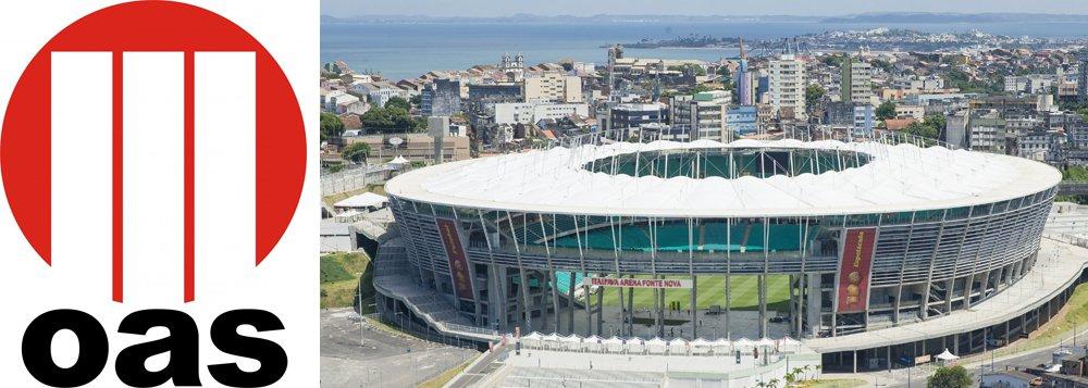 Uma das responsáveis pela administração da Arena Fonte Nova, a OAS Arenas está vendendo sua participação no complexo esportivo baiano e já iniciou prospecção de possíveis interessados no mercado de empresas estrangeiras;o grupo OAS, que tem dívida de R$ 9,2 bilhões e tem seus principais executivos presos na Operação Lava Jato, colocou à venda sua participação não só no estádio baiano, mas também na Arena das Dunas, em Natal, e na Arena do Grêmio, em Porto Alegre