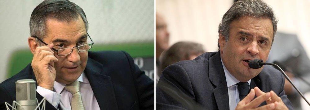 Carvalho: Aécio 'não tem moral' pra pedir impeachment