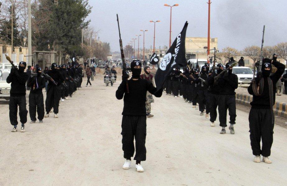 """Os homens foram decapitados na região leste da cidade síria de Homs pelo grupo militante """"Polícia Islâmica"""", disse o Observatório Sírio para os Direitos Humanos, sediado na Grã-Bretanha"""