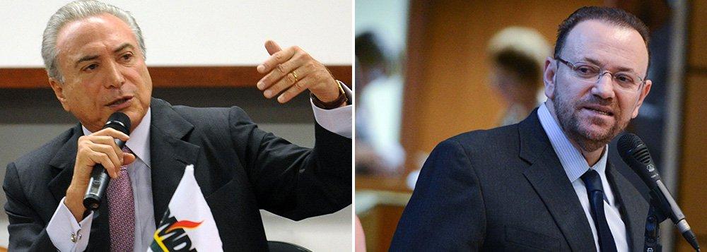 """Segundo o novo ministro da Comunicação Social, Edinho Silva, tesoureiro da campanha de Dilma Rousseff, """"estamos falando de um partido da coalizão, do vice-presidente da República (Michel Temer) assumir um papel de articulação política o que é absolutamente natural""""; mas ressaltou que """"quem governa é a presidente"""""""