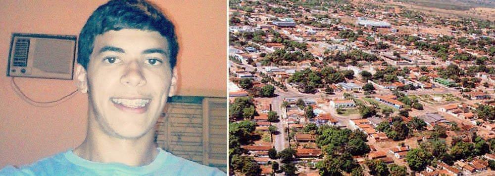 Bruno Coelho, 19 anos, filho do prefeito de Formoso do Araguaia, Wagner Coelho de Oliveira (PRTB), morreu na madrugada desta terça-feira, 18, no Hospital Regional de Gurupi (HRG); jovem faleceu vítima de um acidente de trânsito, que aconteceu no fim da tarde dessa segunda-feira, 17, em Formoso do Araguaia; Bruno conduzia uma moto quando se chocou violentamente contra um ônibus, na Avenida Manoel Brandão com a Rua do Banco Bradesco